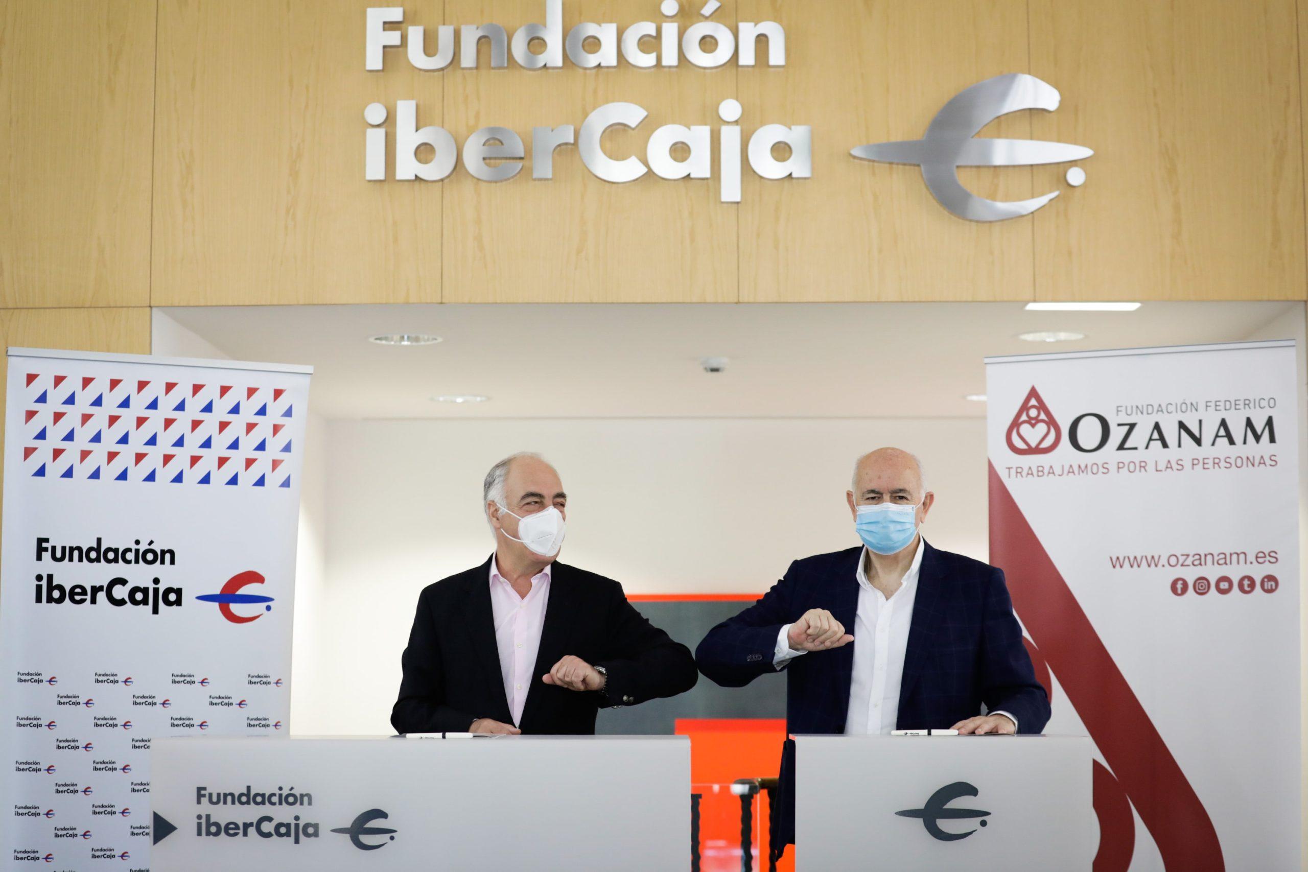José Luis Rodrigo y Fernando Galdámez tras la firma del convenio